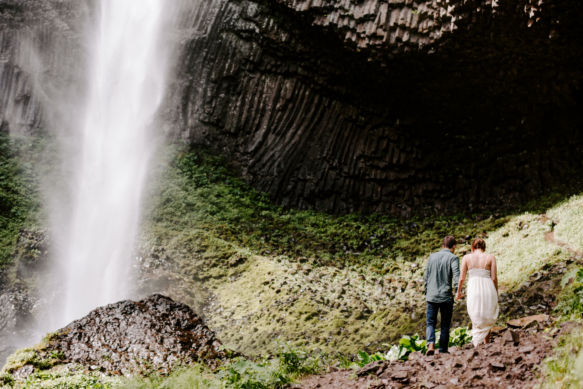 San Diego Engagement photography at LaTourell Falls Portland Oregon011.jpg