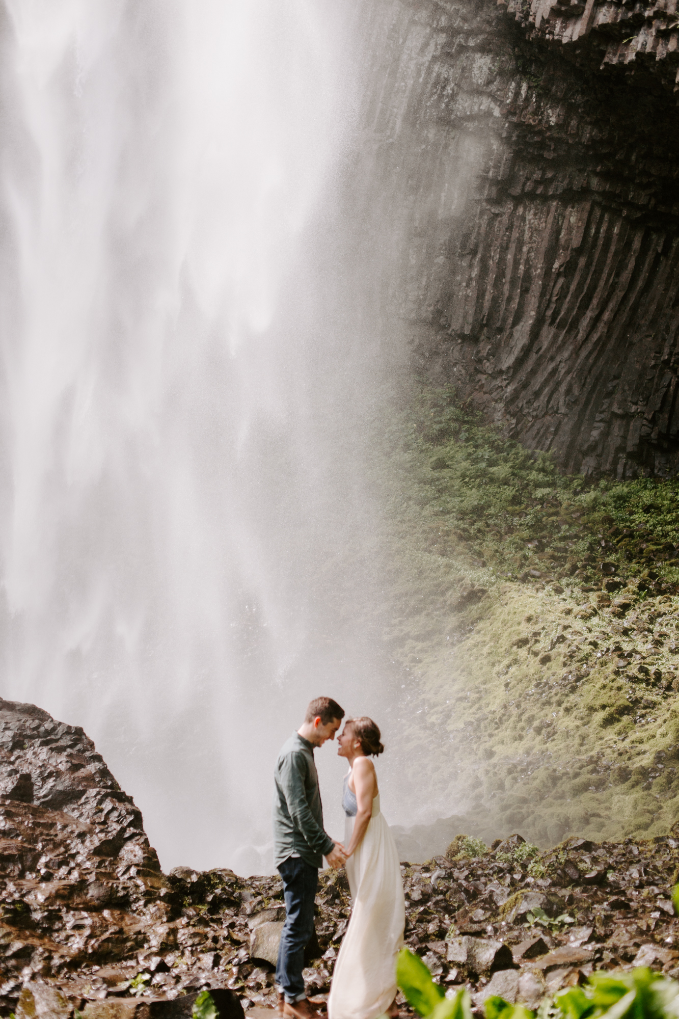 San Diego Engagement photography at LaTourell Falls Portland Oregon012.jpg