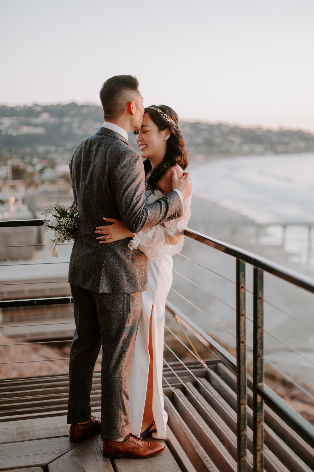 San Diego Wedding photography at Martin Johnson House Scripps Beach086.jpg