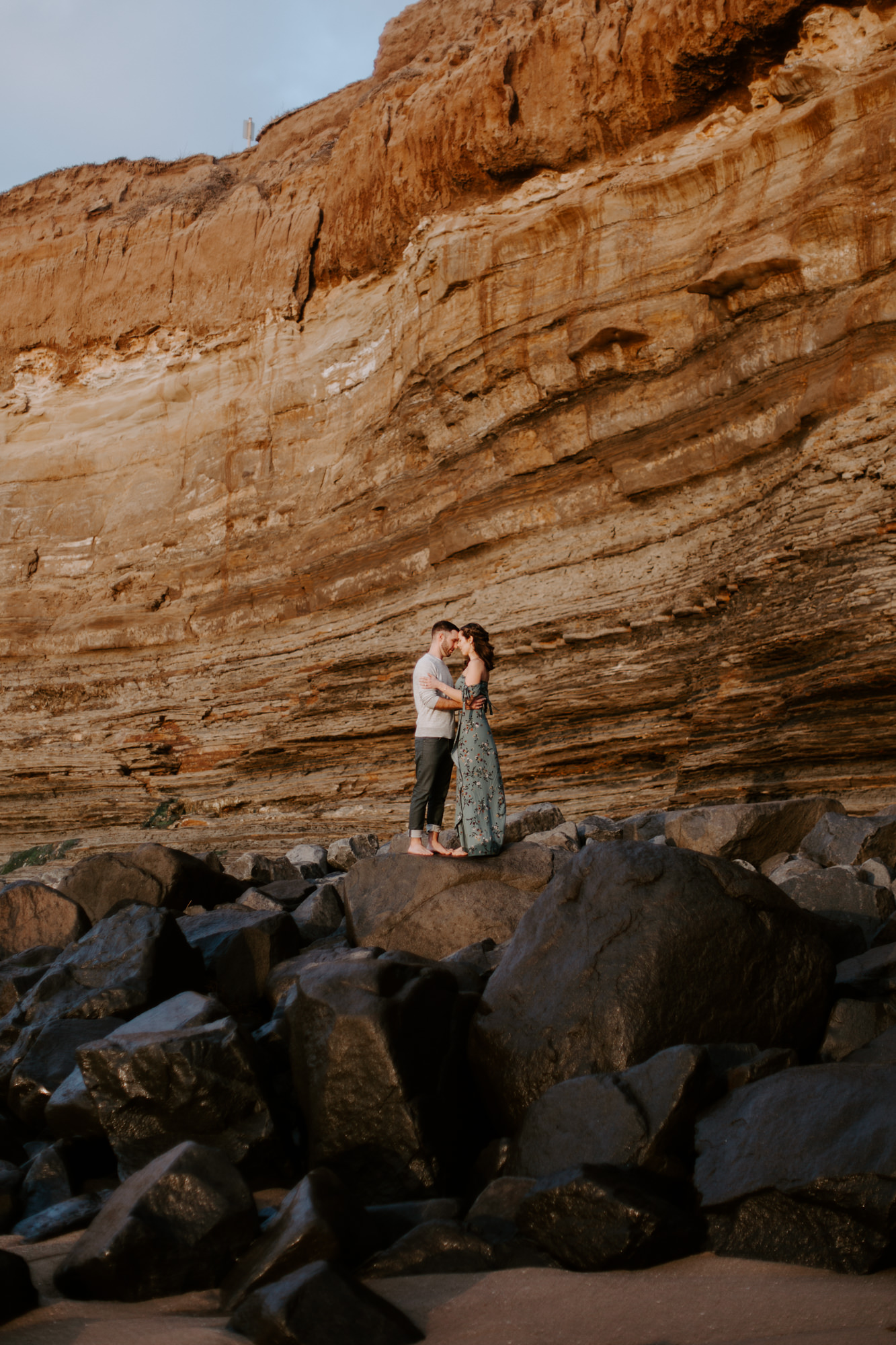 San Diego Engagement photography at Sunset Cliffs025.jpg