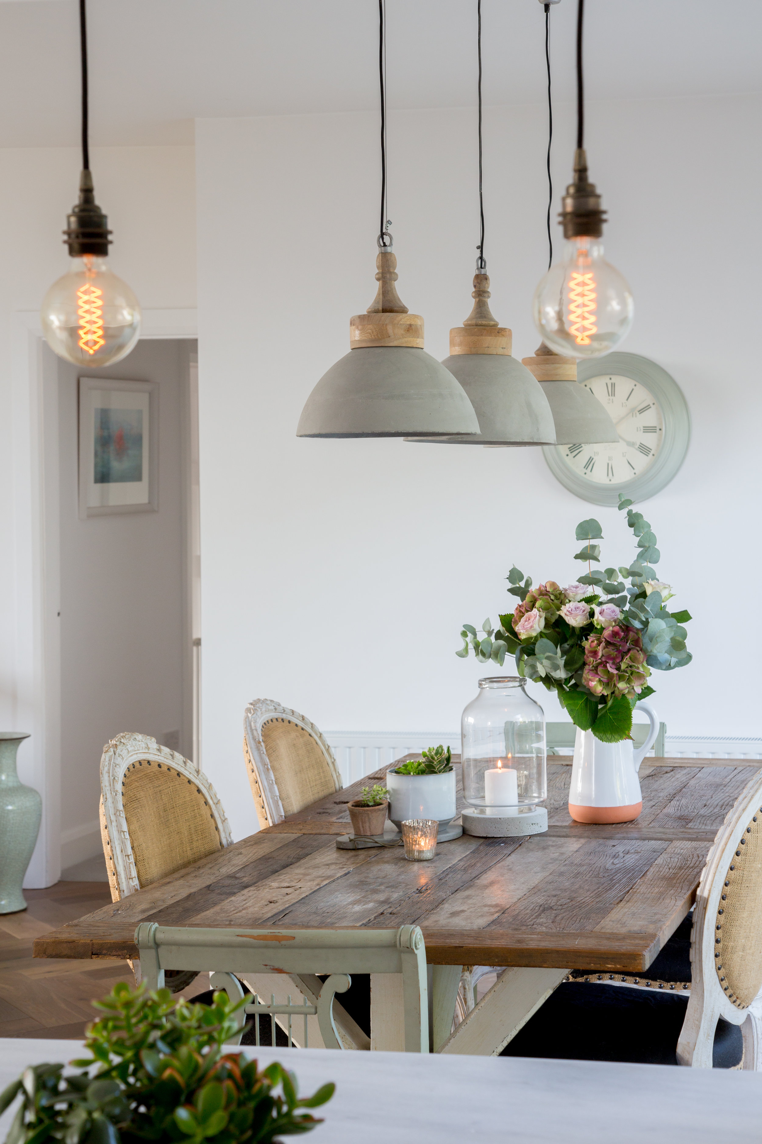 Lamb_Design_Paper_and_Moon_Emma_Lynch_Louise_Dockery_Scandi_French_Danish_homeware_Irish_business_interior_designer_dining_room_burlap_chairs.jpg