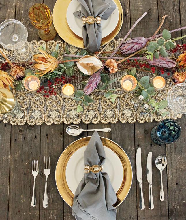 glam-christmas-table-setting.jpg
