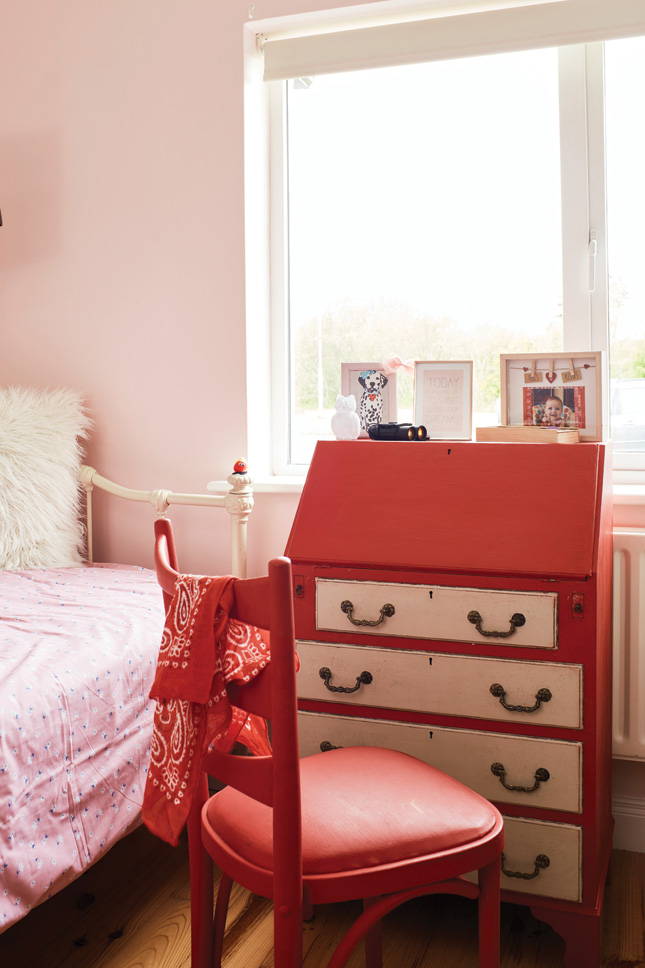 Paper_and_Moon_Louise_Dockery_girls_bedroom_upcycled_bureau_desk.jpg