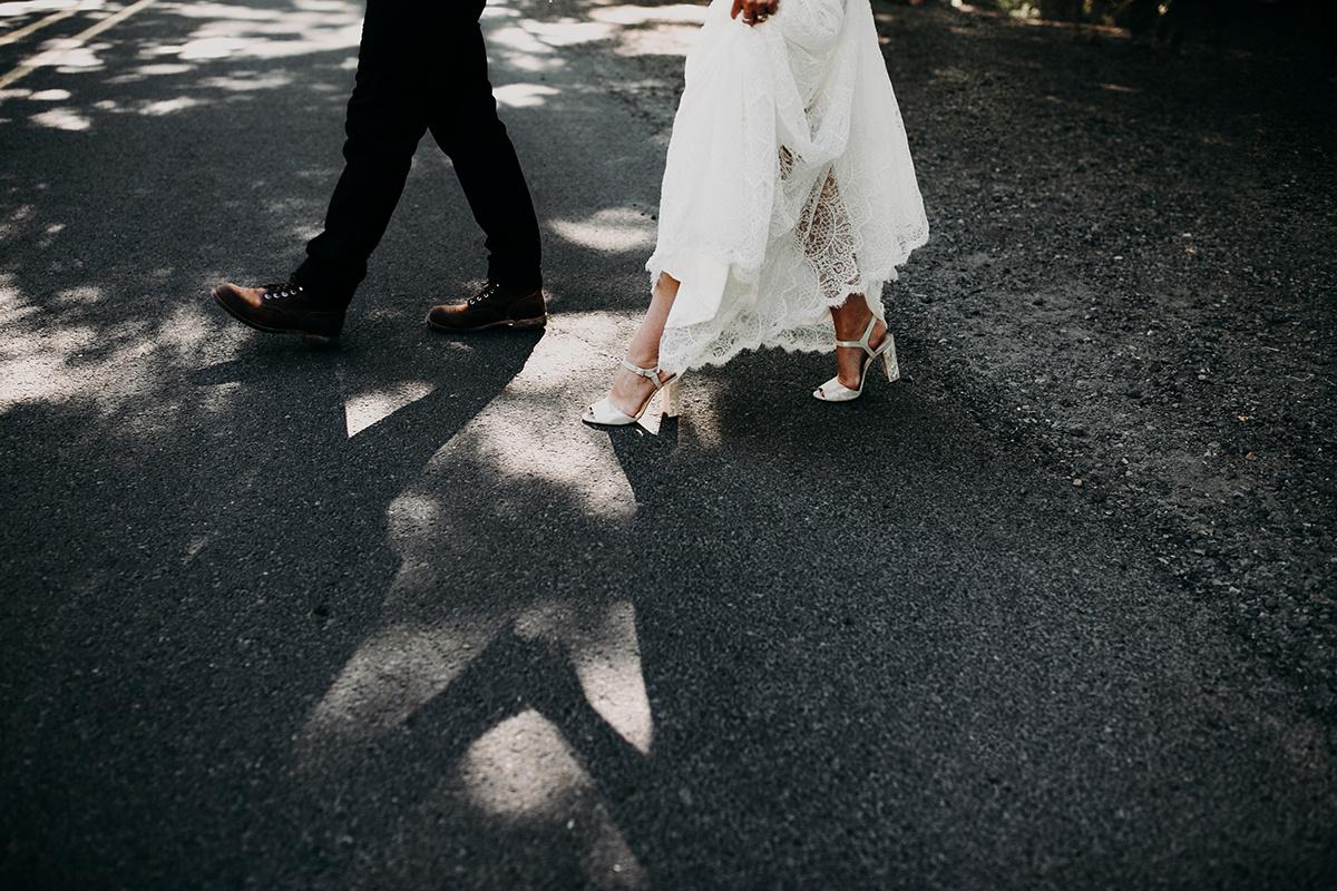 Rainy Columbia River Gorge Wedding Emily Magers Photography-3.jpg