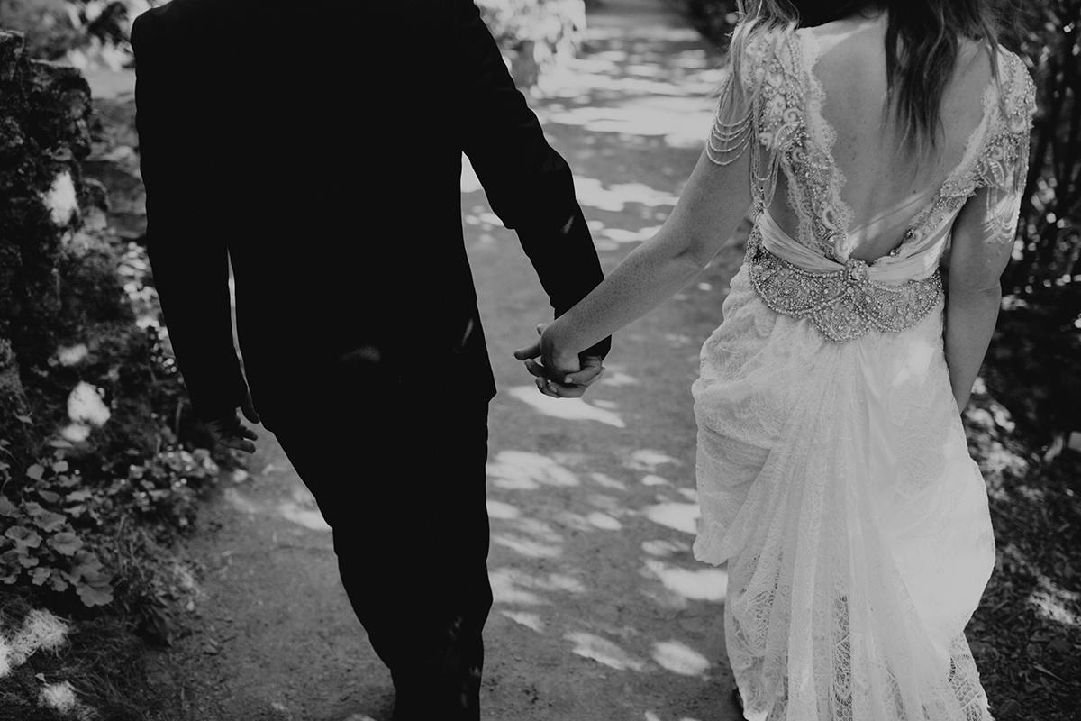Rainy Columbia River Gorge Wedding Emily Magers Photography-21.jpg