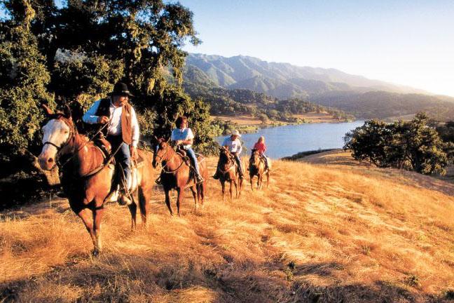 sunset_horseback_ride__fullscreen_tablet.jpg