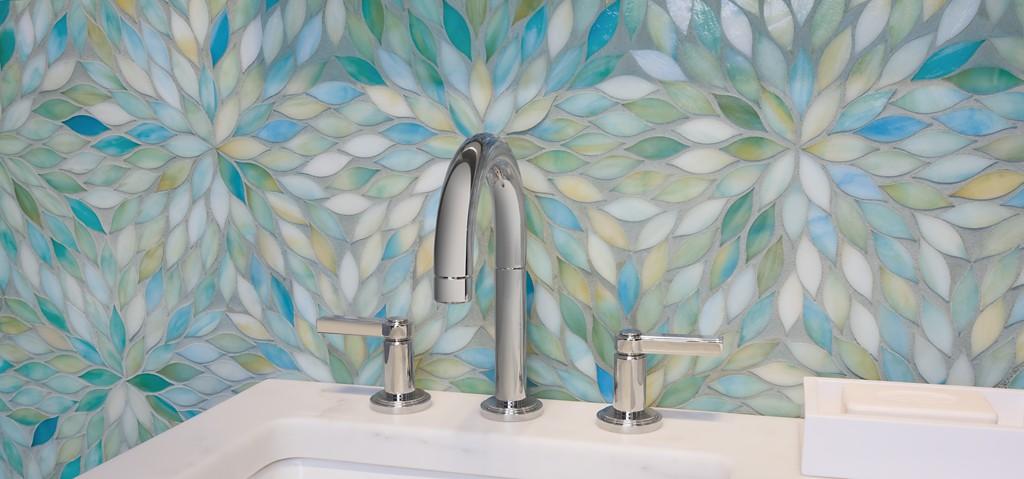 Ann Sack's Beau Monde Glass Blossom tile      CITATION Bea18 \l  1033    (Beau Monde Glass | ANN SACKS Tile & Stone)