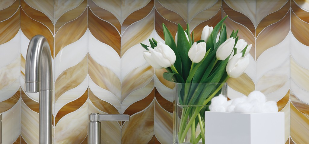 Ann Sack's Beau Monde Glass      CITATION Bea18 \l  1033    (Beau Monde Glass | ANN SACKS Tile & Stone)