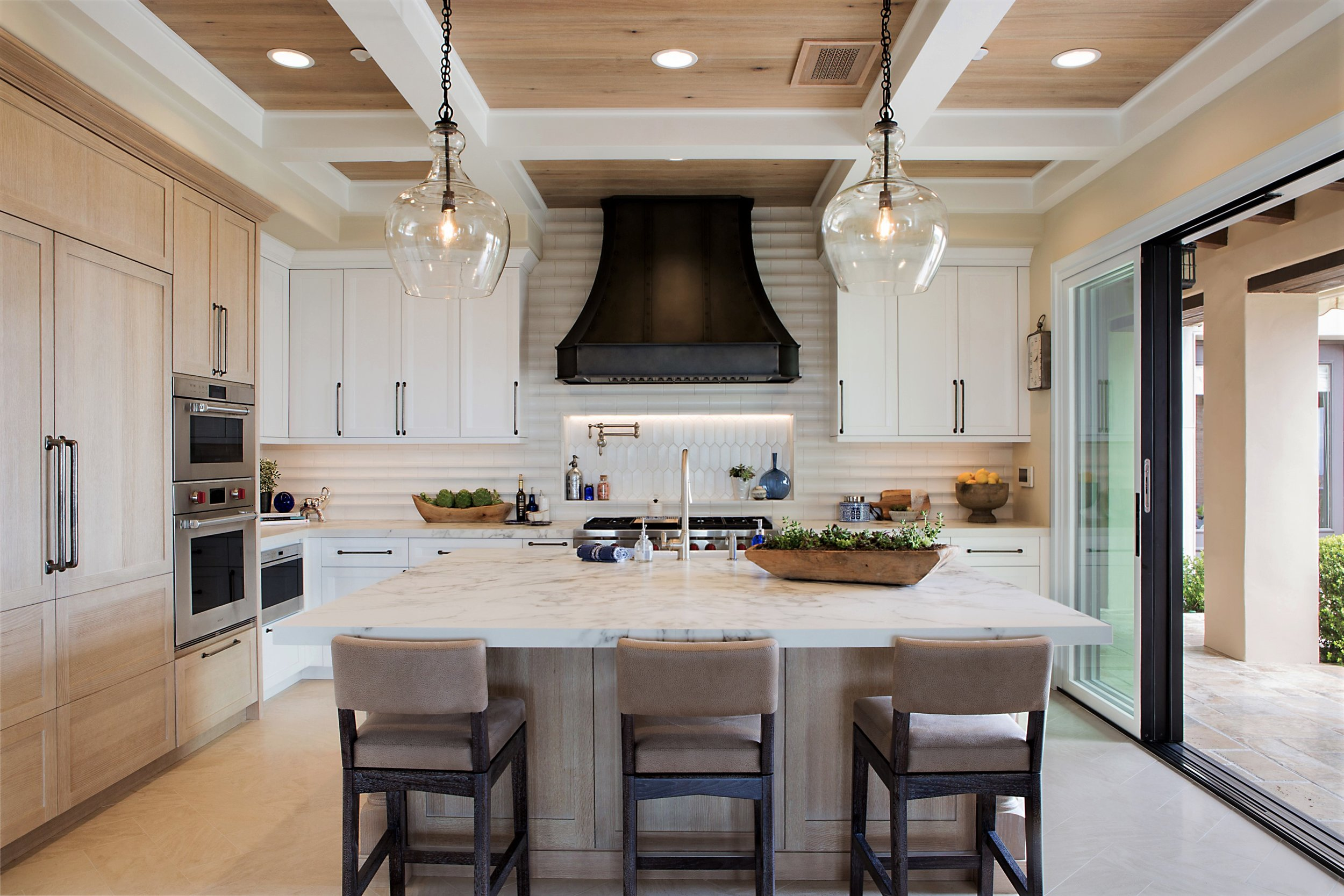 High Style Luxury Detailing For A High End Kitchen Remodel Signature Designs Kitchen Bath