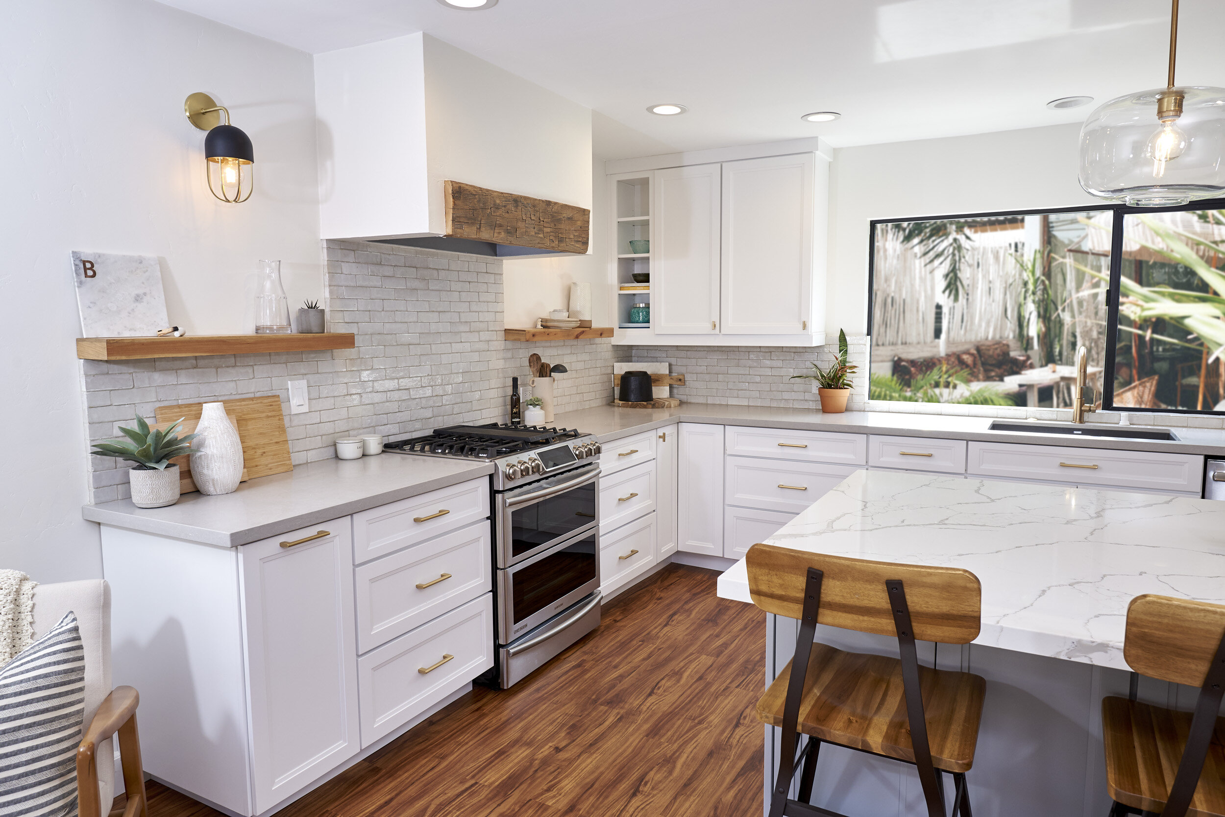 Modern Farmhouse Kitchen Remodel for first time home buyer