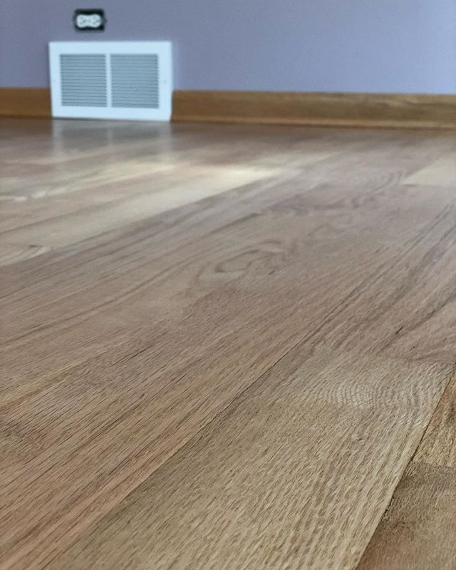 "Basic Coatings Streetshoe NXT on 3"" red oak, Satin - @basiccoatings • • • • • #hardwood #hardwoodfloors #flooring #wood #construction #contractor #chicagoconstruction #oak #cut #architecture #woodwork #craftsman #carpentry #homedecor #interiordesign #grain #sanding"