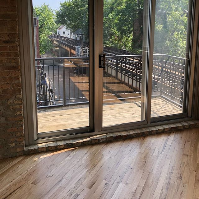 Sanding 1st common red oak with @basiccoatings Streetshoe NXT • • • • • #hardwood #hardwoodfloors #flooring #wood #construction #contractor #chicagoconstruction #oak #cut #architecture #woodwork #craftsman #carpentry #homedecor #interiordesign #grain