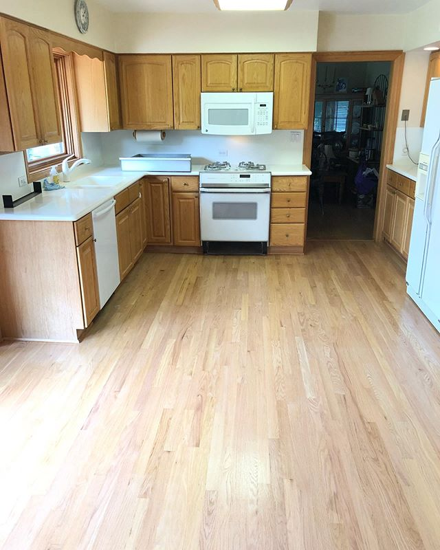 Refinishing this kitchen and dining area in Forest Glen. 1 commercial sealer and 3 coats of waterbased @basiccoatings finish • • • • • #hardwood #hardwoodfloors #flooring #wood #construction #contractor #chicagoconstruction #maple #cut #architecture #woodwork #craftsman #carpentry #homedecor #interiordesign #kitchen #oak