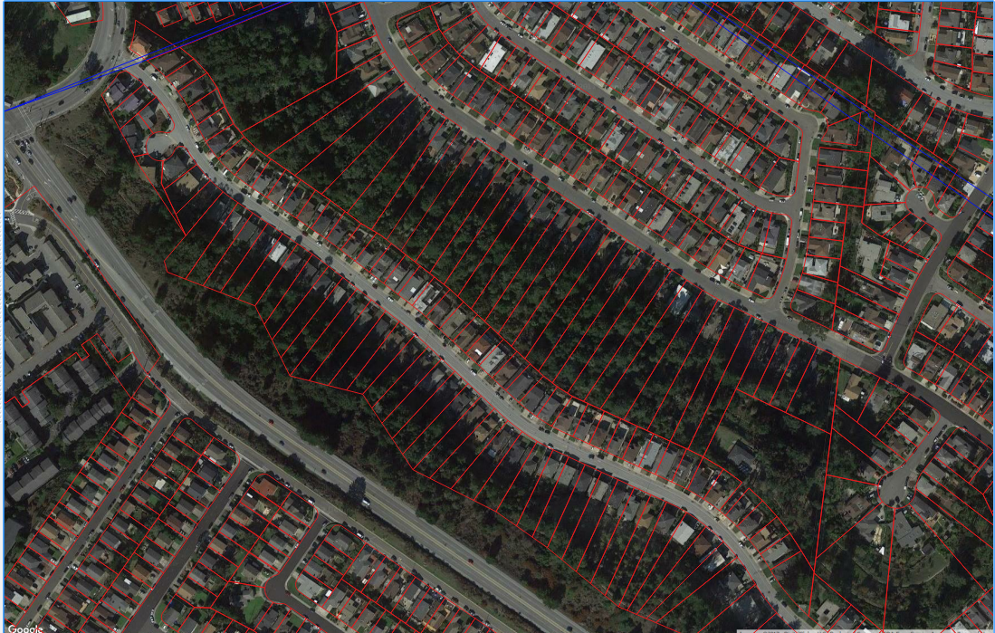 Red boundaries represent residential parcel borders. The large wooded areas seen here are likely not being irrigated and the inclusion of this area will result in the systematic overestimation of target calculations in this district and others exhibiting this Rural_Residential_Prevalence.