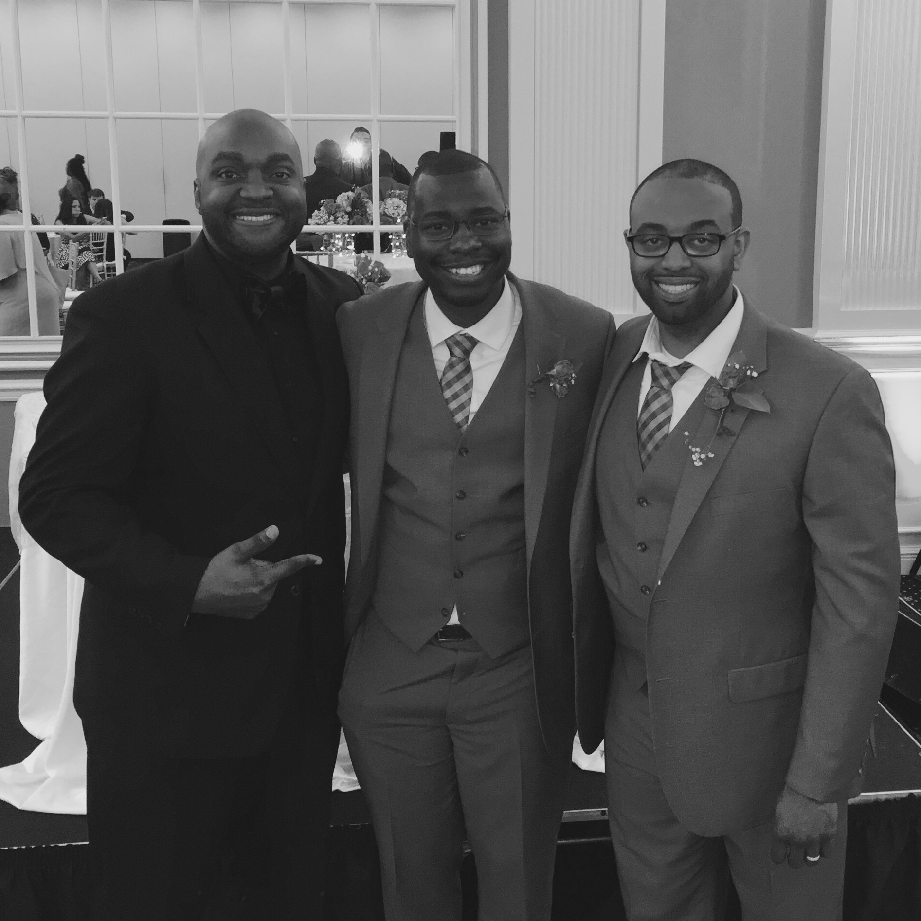 DJ D JONES CHICAGO HOUSTON ATLANTA ST LOUIS INDIANAPOLIS MINNEAPOLIS LGBTQ WEDDING DJ.jpg