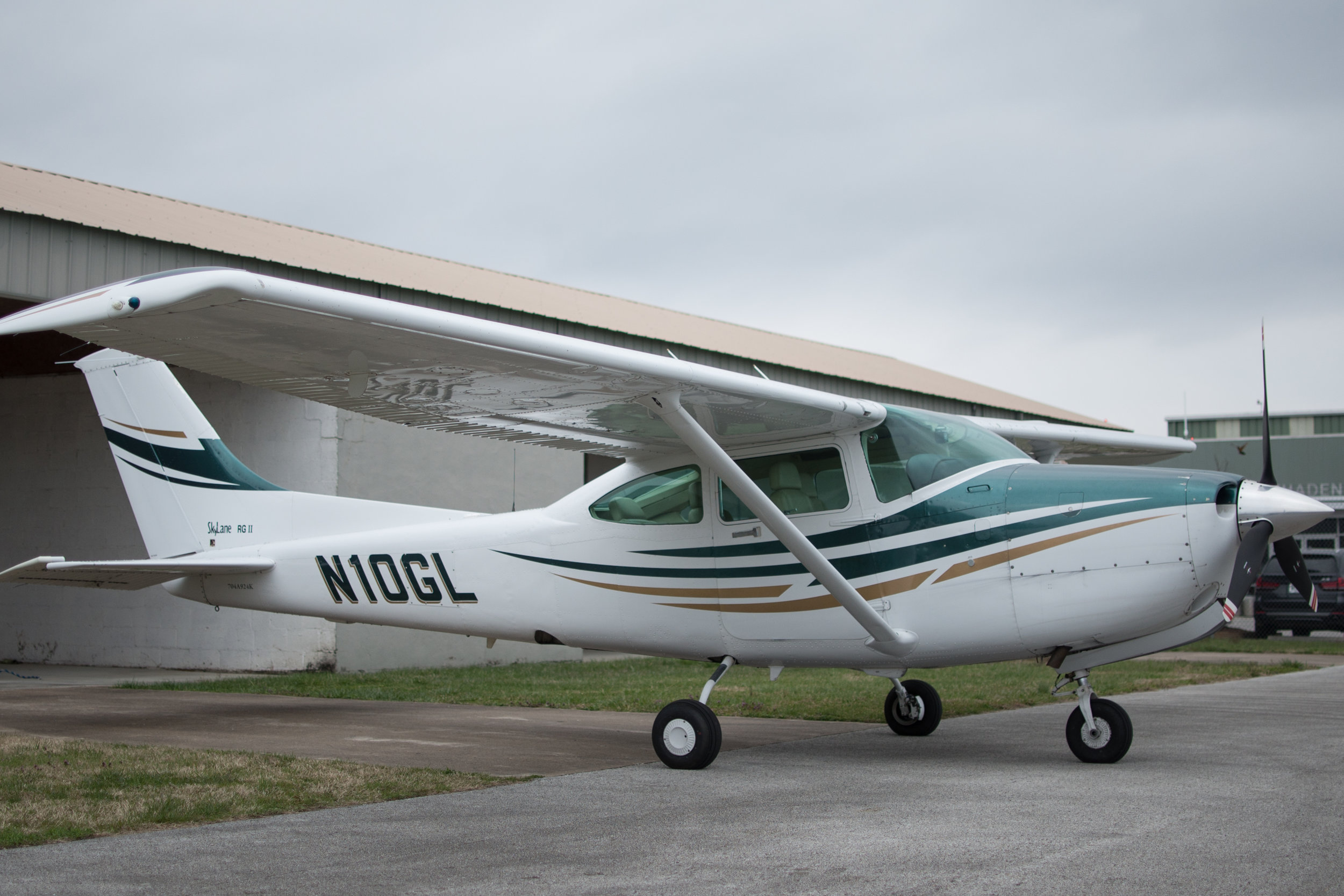 Cessna 182 RG - The Cessna 182 is one of the most popular aircraft in the world. Two people with light overnight bags can travel for 3 hours at 180 MPH without a full stop, and It can safely land at hundreds of small airports that the airlines won't.The 182 is an inexpensive, no frills way to simply get you there and back.