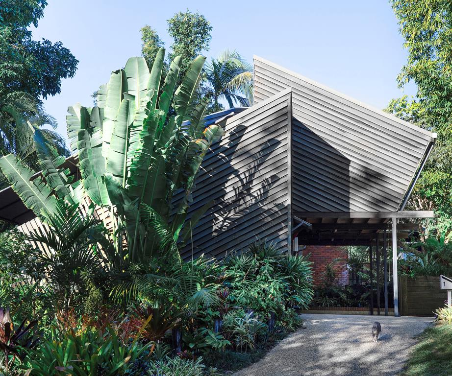 Triangle House by Vokes and Peters