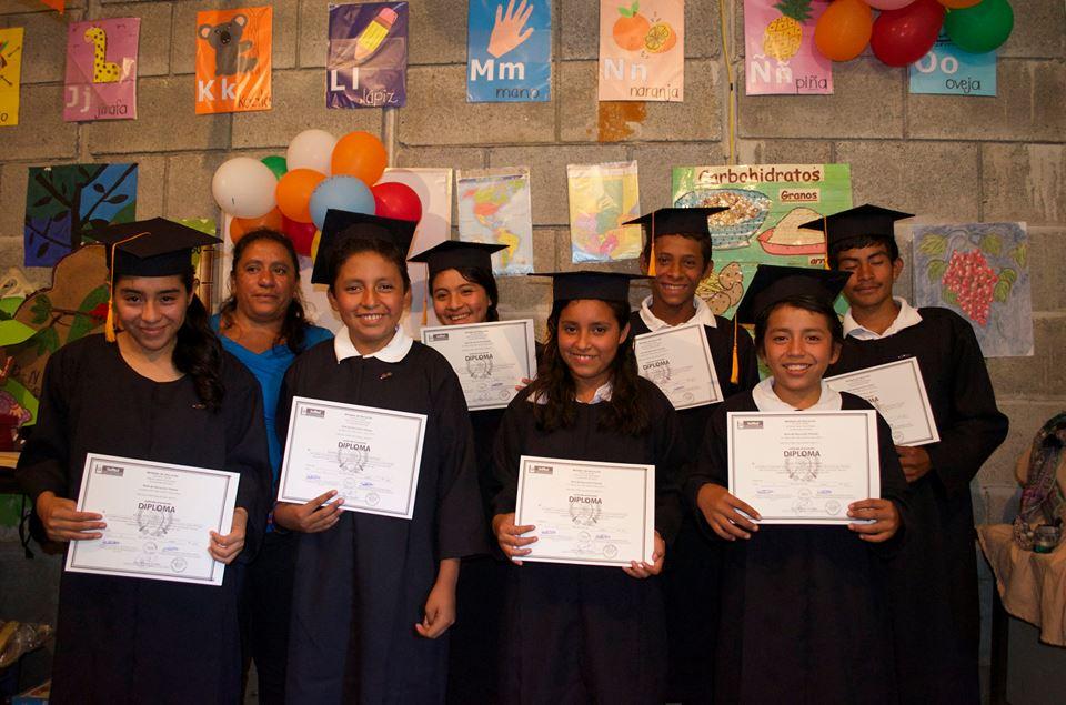 Graduacion niños.jpg