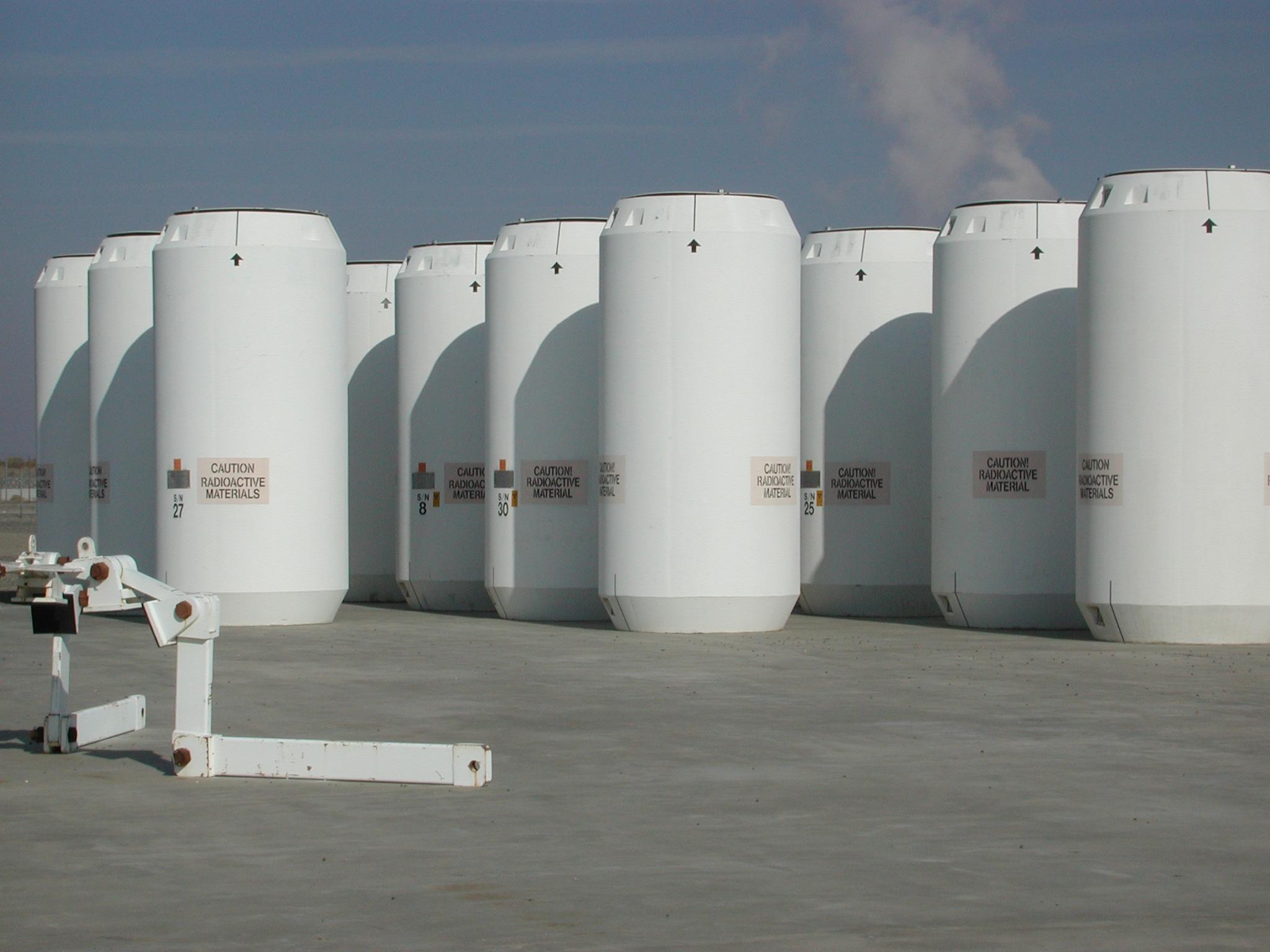 Storage casks
