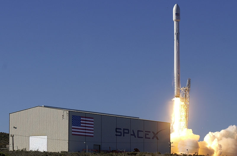 Image by SpaceX via  Wikimedia Commons