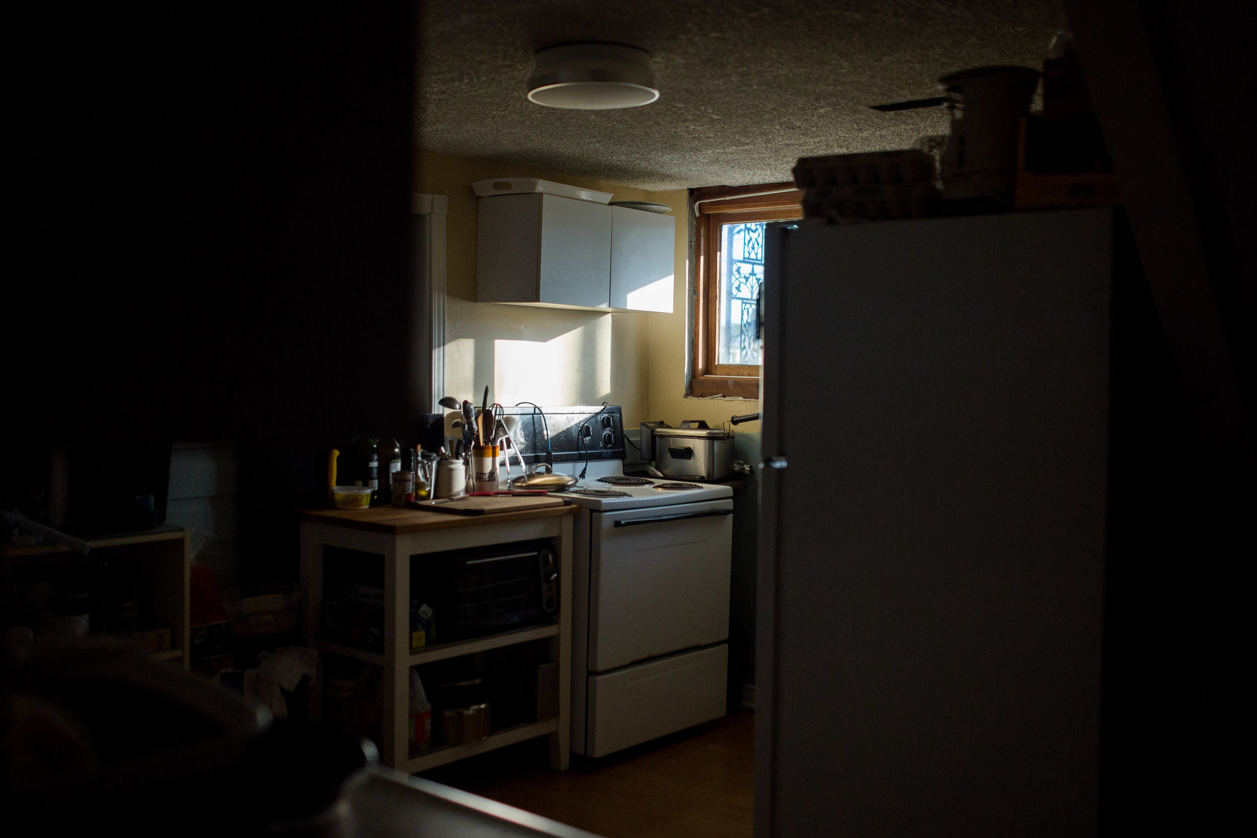 October 3 2017.   On one of my visits after New Zealand, I visited my father and stayed overnight for the first time in years. I felt lucky to witness the morning light that filled my father's kitchen, followed by a classic dad breakfast. My father was a chef for years and always comforts my visits with food.