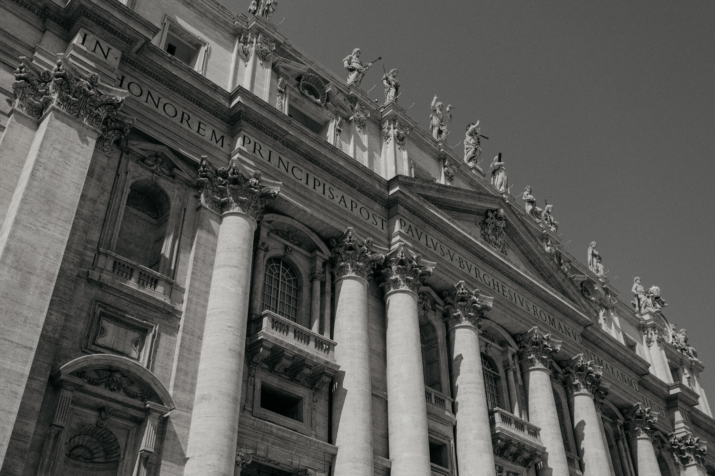 Rome-Italy-Travel-Elopement-Anna-Howard-0004.jpg
