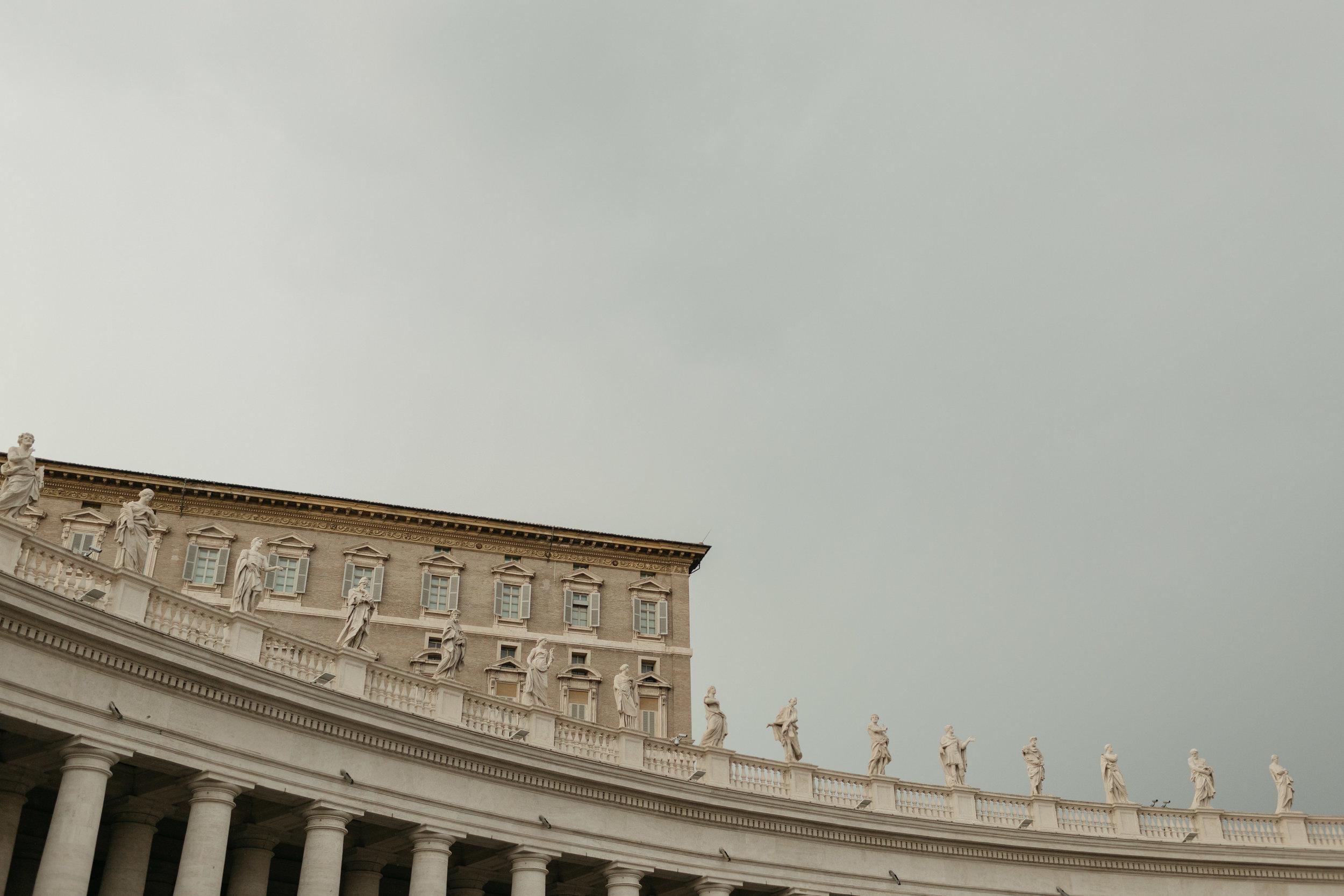 Rome-Italy-Travel-Elopement-Anna-Howard-0122.jpg