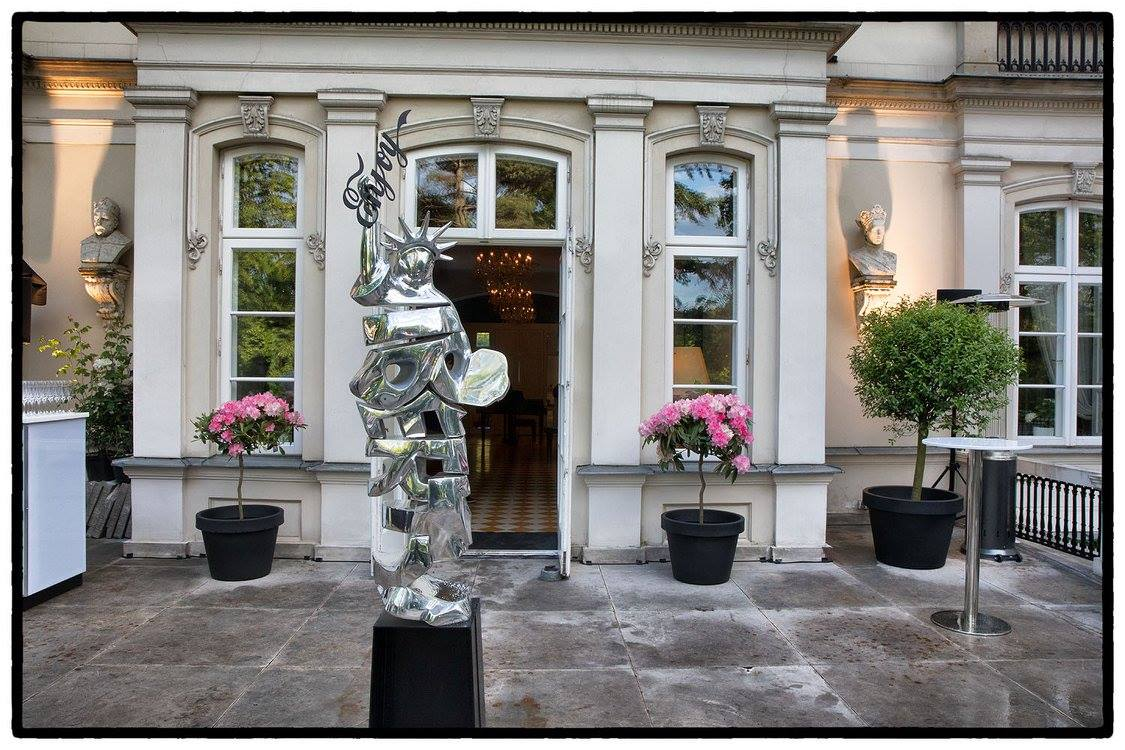 cipre_artiste_sculpteur_actualites_news_exposition_varsovie_sobanski_palace_liberty.jpg