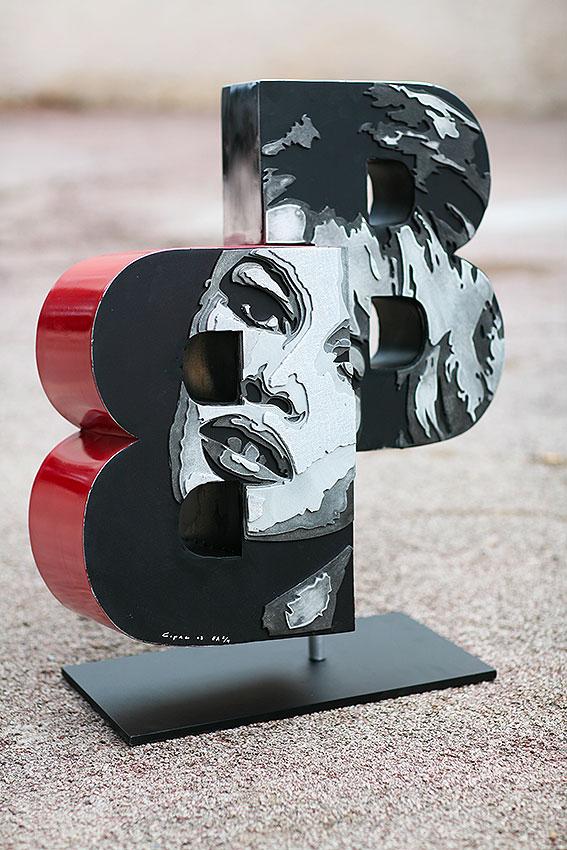 BB  (2011) | aluminium | 80 x 60 x 20 cm | oeuvre originale