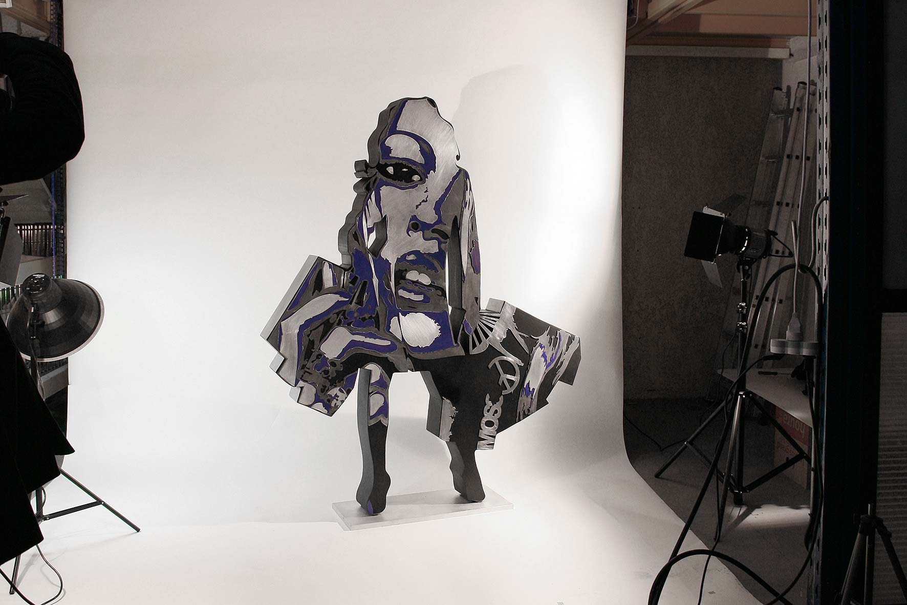 Shopping  (2011) | aluminium | 175 x 140 x 20 cm | oeuvre originale