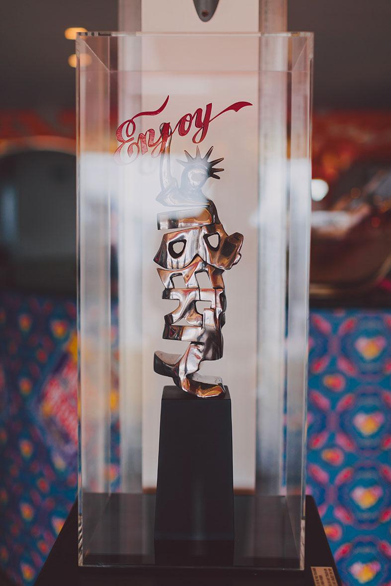 17_cipre_artiste_sculpteur_exposition_festival_de_cannes_2015_plage_3.14_7_eme_art_liberty.jpg