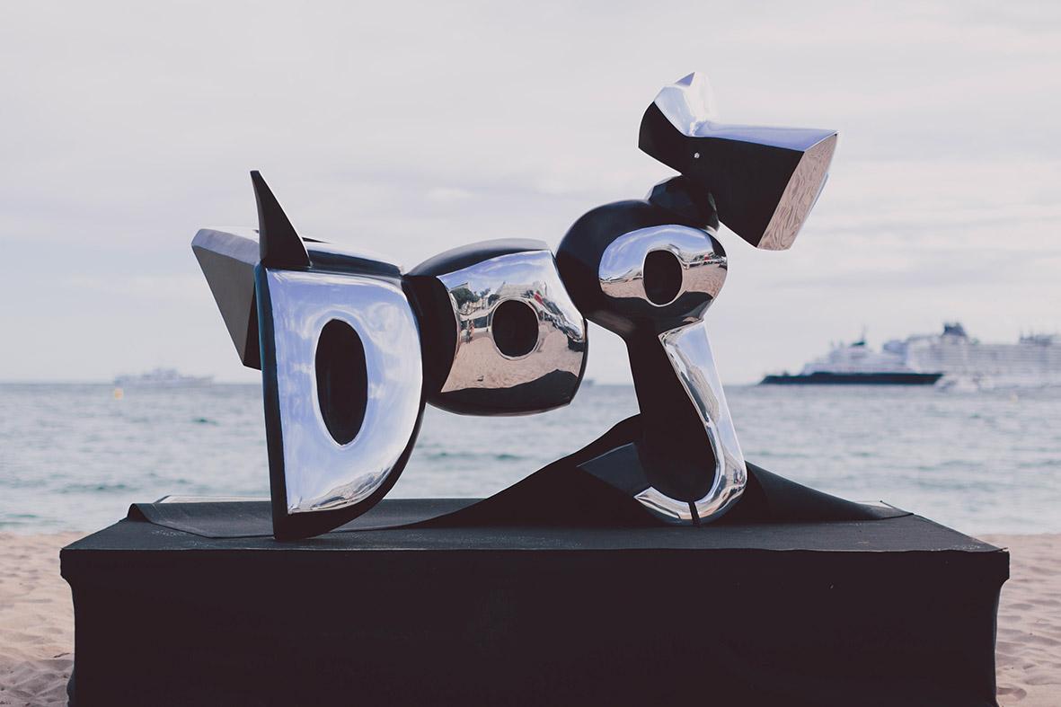 27_cipre_artiste_sculpteur_exposition_festival_de_cannes_2015_plage_3.14_7_eme_art_dog.jpg