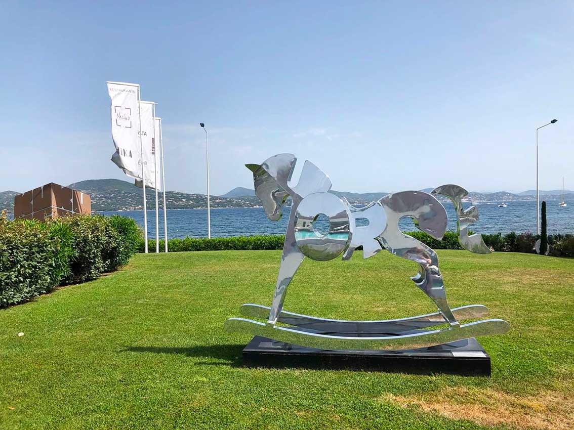cipre_artiste_sculpteur_bel_air_fine_art_gallery_saint_tropez_kube_hotel_exposition_horse.jpg