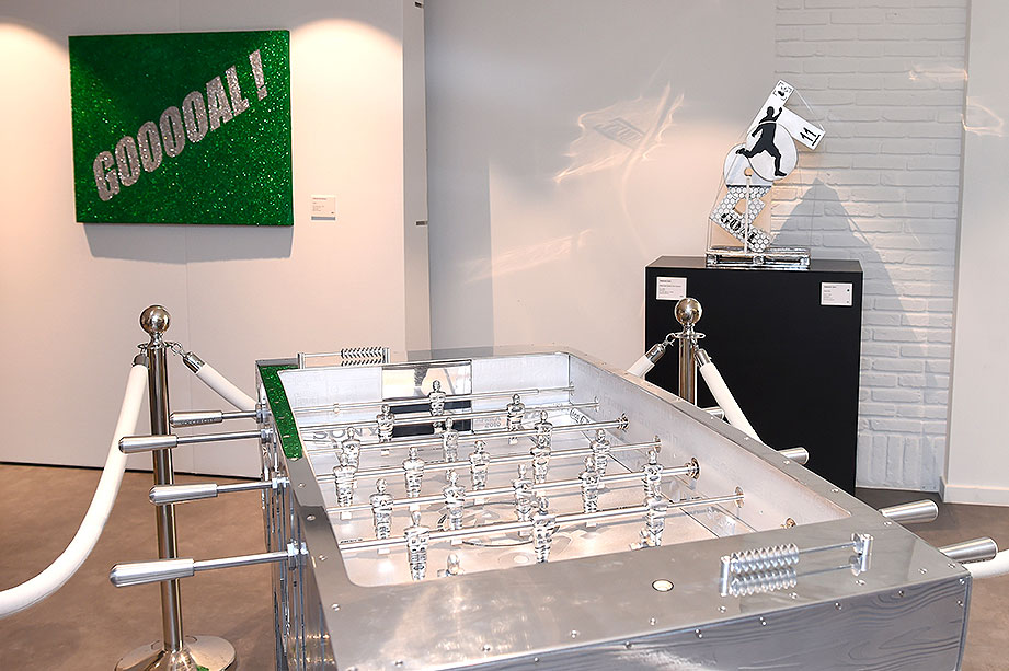 cipre_artiste_sculpture_contemporain_event_play_it_art_thomas_meunier_stadium_foot_aluminium_stade_anderlecht_brussels.jpg