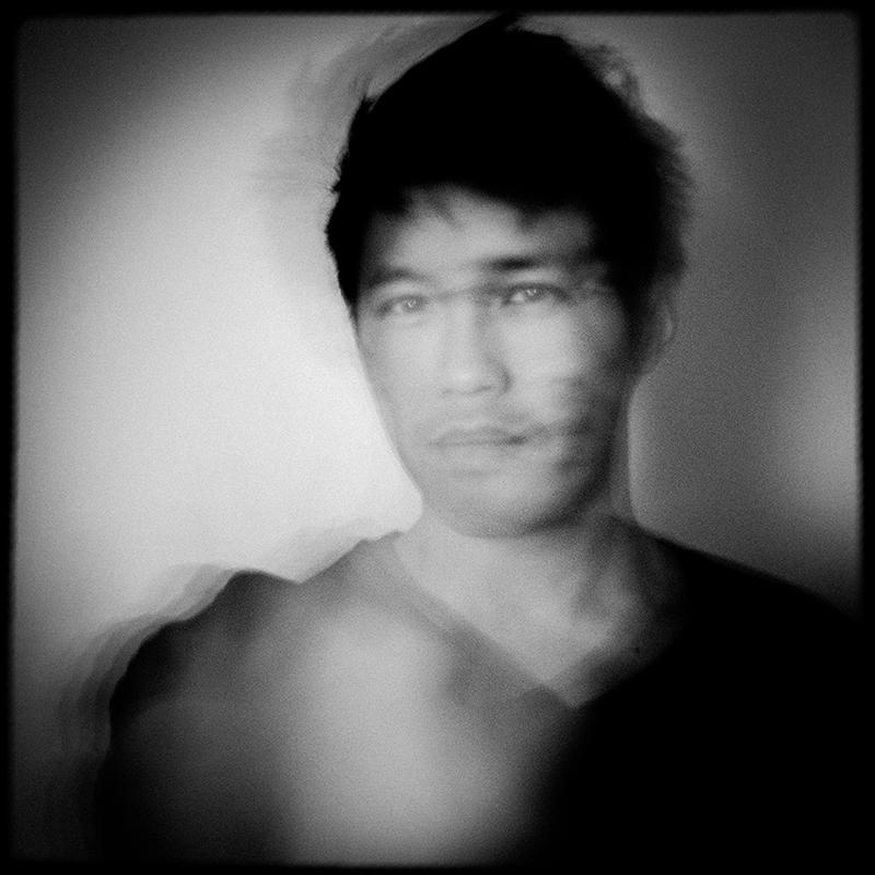 Autoportrait. Photography by L.