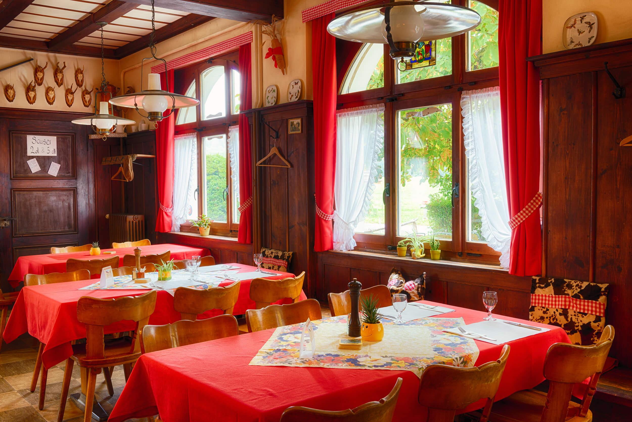 Restaurant Schönmatt innen 8.jpg