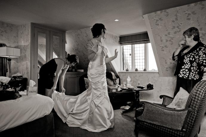 Wedding-photography-at-langshott-manor-006