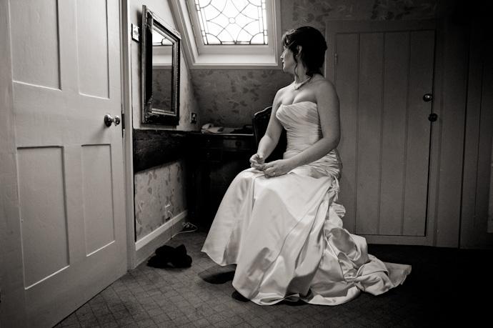Wedding-photography-at-langshott-manor-008