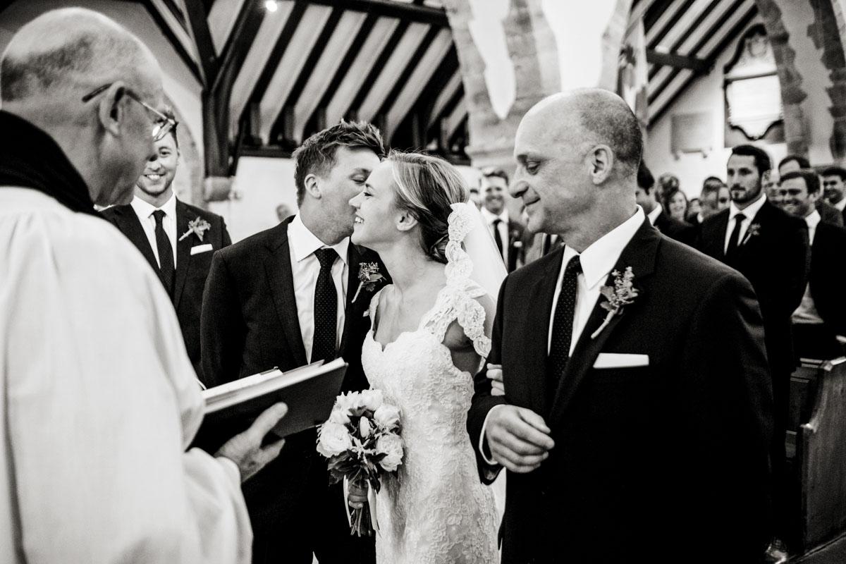 Reportage Wedding Photographers Sussex_011