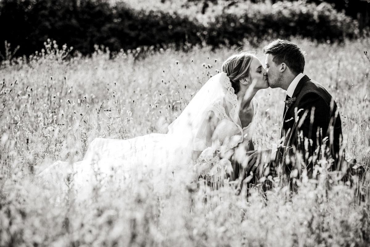 Reportage Wedding Photographers Sussex_020