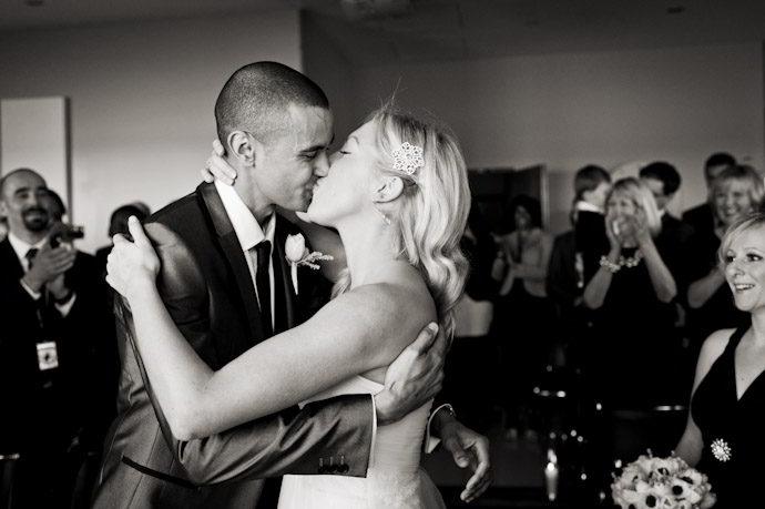 hotel-radisson-edwardian-canary-wharf-wedding-photography023.jpg