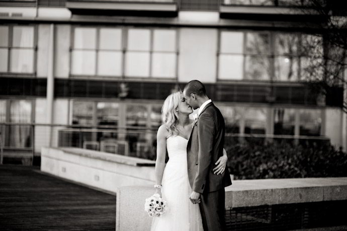 hotel-radisson-edwardian-canary-wharf-wedding-photography030.jpg