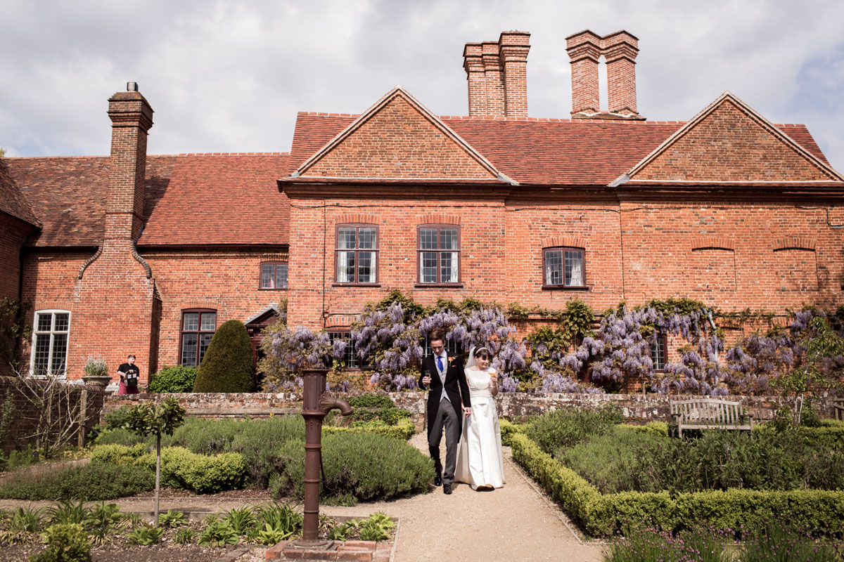 Ufton-Court-Wedding-Photos-025.jpg