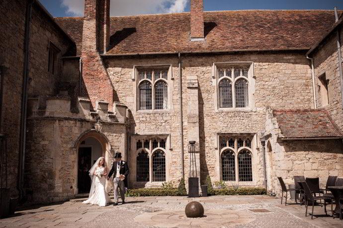 Buckinghamshire-Reportage-Wedding-Photographers_003.jpg