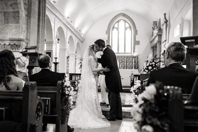 Buckinghamshire-Reportage-Wedding-Photographers_009.jpg