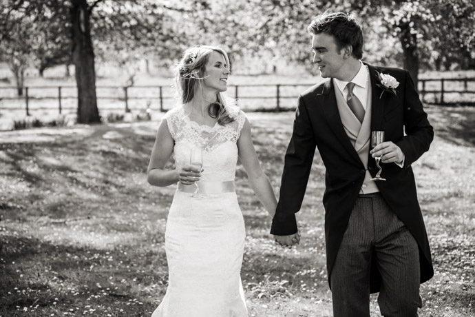 Buckinghamshire-Reportage-Wedding-Photographers_020.jpg
