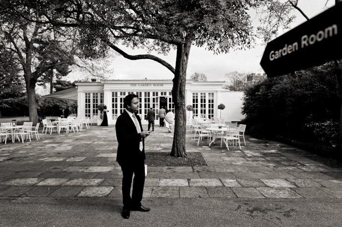 Hampton-Court-Palace-wedding-photography-008.jpg