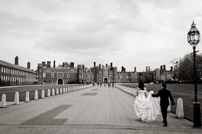 Hampton-Court-Palace-wedding-photography-007.jpg