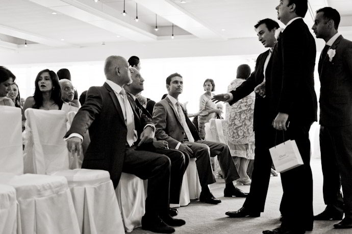 Hampton-Court-Palace-wedding-photography-009.jpg
