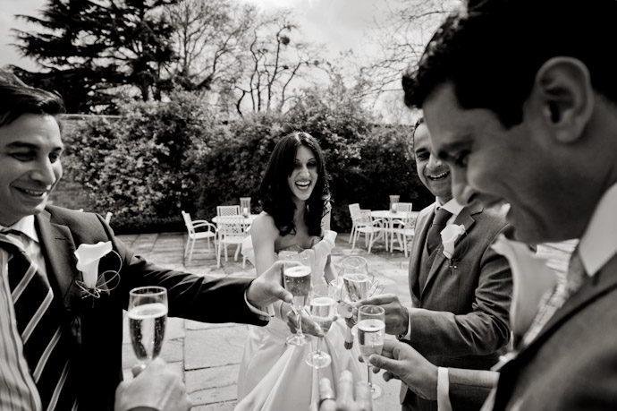 Hampton-Court-Palace-wedding-photography-013.jpg